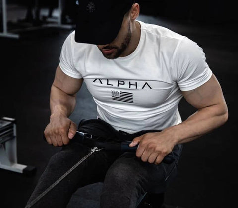 https://fitness-cardio-shop.com/collections/t-shirt-de-fitness-bodybuilding/products/tee-shirt-homme-haut-moulant-alpha-style-fitness-musculation-matiere-coton