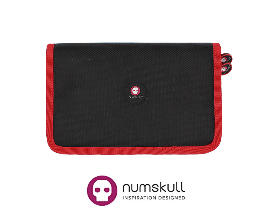 Numskull Nintendo Switch Game Cartridge Storage / Travel Case