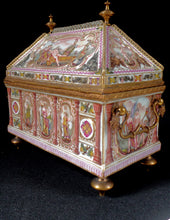 Load image into Gallery viewer, Capodimonte Porcelain Treasure Chest, Italy, c.1900