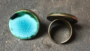 Adjustable handmade ceramic statement ring in black and teal crackle turquoise aqua cocktail ring fashion accessory