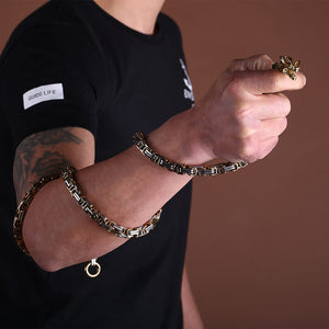 Uarter-Concealed-Chain