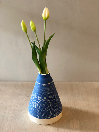 Tall Blue pyramid vase with chattering decoration - sample