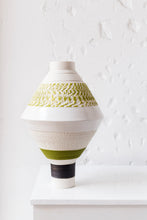 FABIA vase with chattering decoration