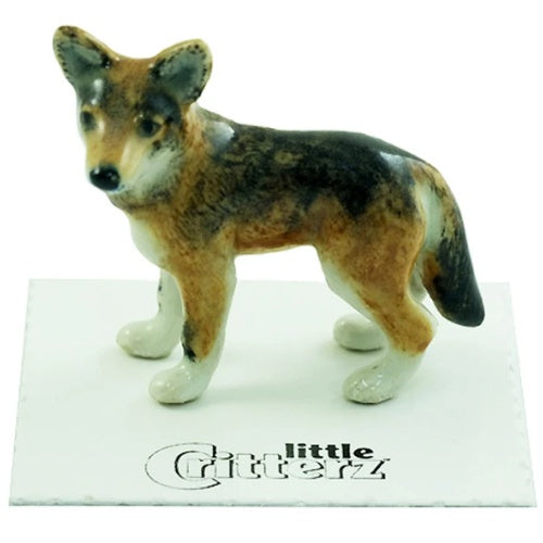 """Cinnamon"" - Red Wolf Statue"