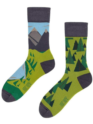 Nature green mismatched socks