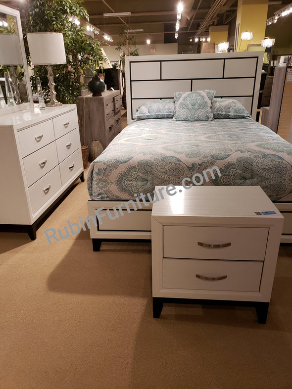 B4610 Akerson  CHALK BEDROOM GROUP