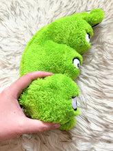 Load image into Gallery viewer, Cycle Dog Duraplush Peas in a Pod