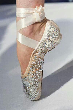 Pointe Shoes (perfect for decorating)