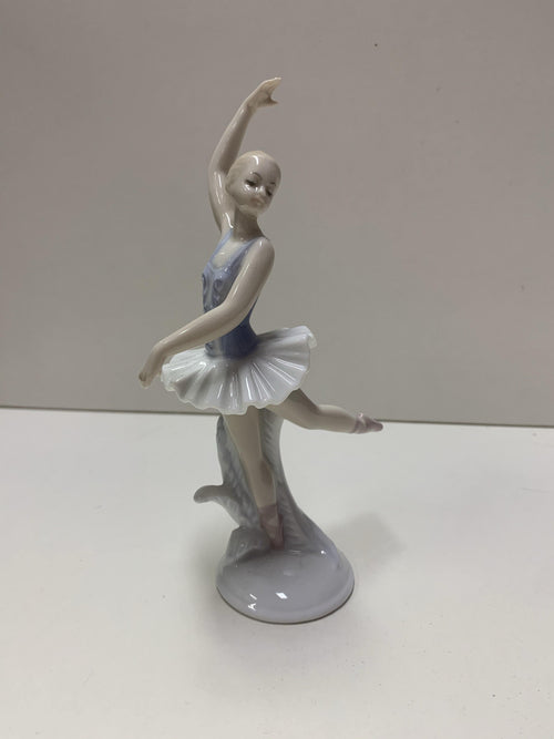 Figurines - Arabesque  Dancewear Australia