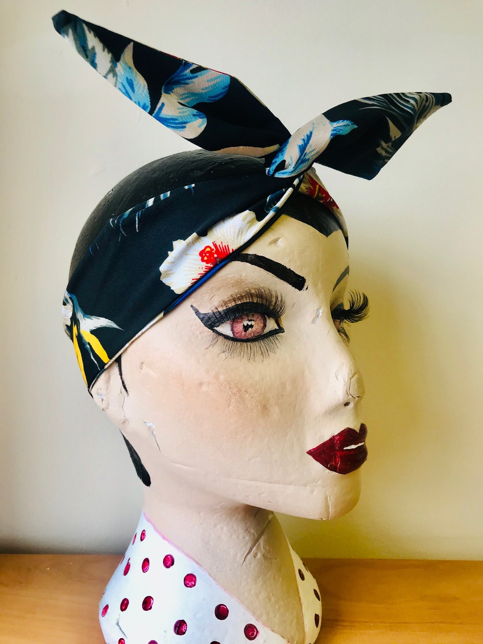 Twist & Go .. Wired Headband (No Tying Fiddly Knots or Bows) 1950s Rockabilly / 1940s Landgirl Style .. In Our Black Hawaiian Print - RocknRomance True 1940s & 1950s Vintage Style