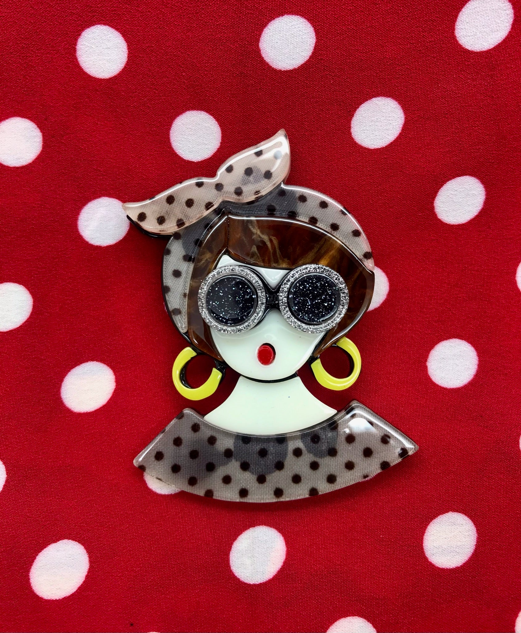 Kitsch Vintage Lady Acrylic Pin Brooch, Fun Rockabilly Style & Oh So Kitsch - RocknRomance True 1940s & 1950s Vintage Style