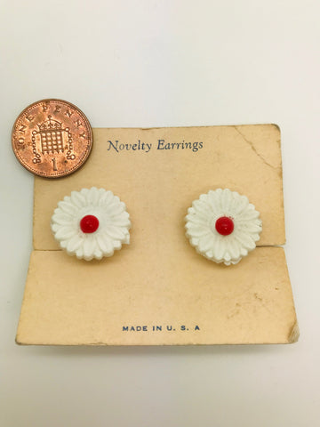 Authentic Vintage 1940s-50s Clip On Novelty White Flower Acrylic Resin Earrings by The Schein Brothers
