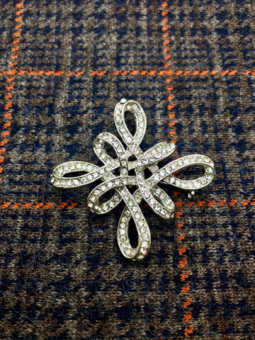 The Seamstress Of Bloomsbury Vintage 1940s / 50s Style Brooch, Classic Styled with Inset Diamontes - RocknRomance Clothing