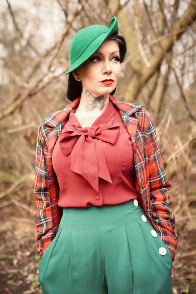 "The Seamstress Of Bloomsbury Short 40's ""Nicki"" Jacket Check in Green/Red Plaid, Authentic & Classic 1940s Vintage Inspired Style - RocknRomance Clothing"