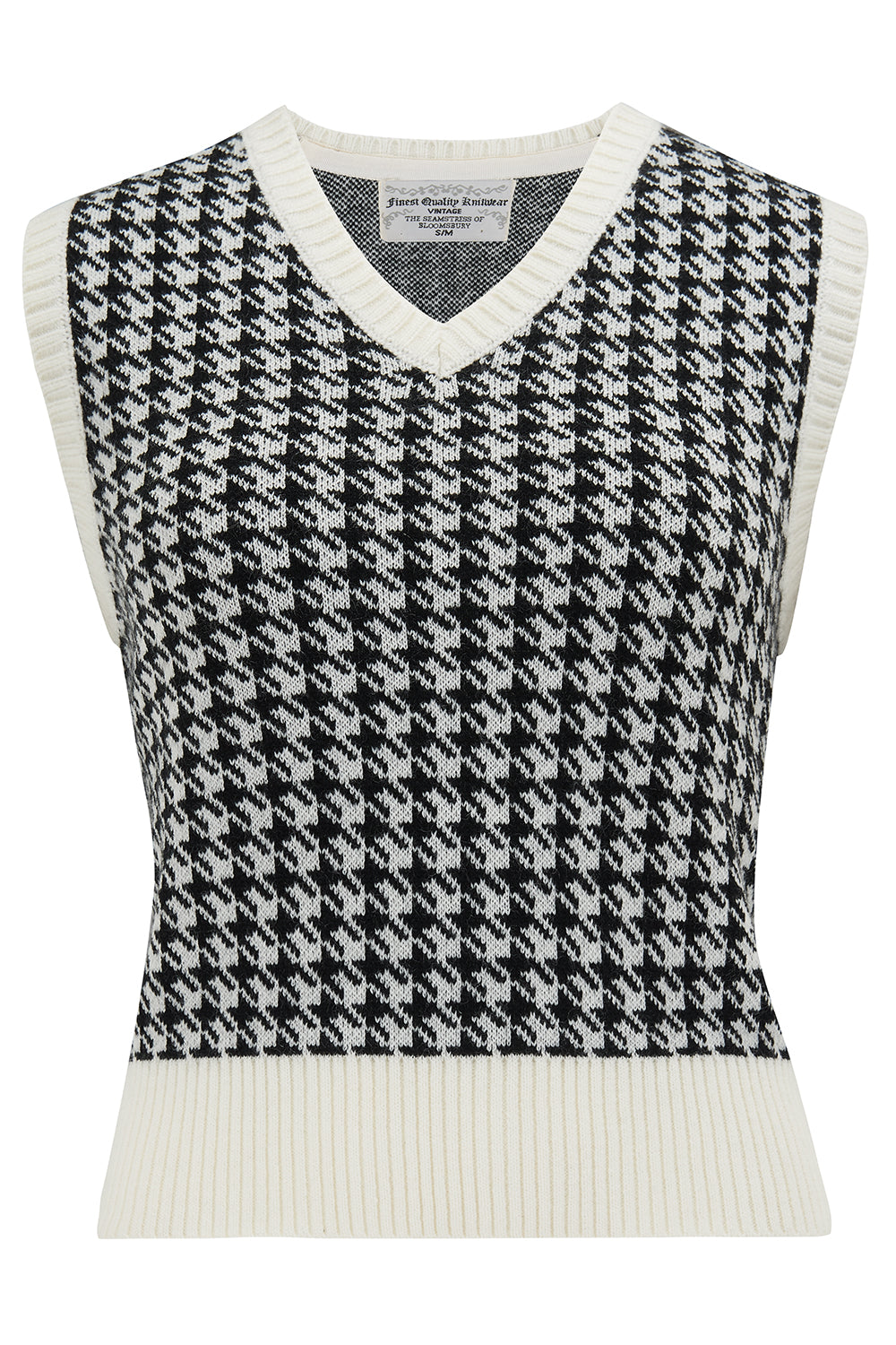 1940s Teenage Fashion: Girls Cable Knit Slipover in Hounds Tooth Stunning 1940s True Vintage Style £29.00 AT vintagedancer.com