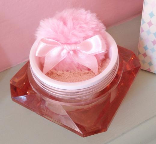 Pin Up Powder by Le Keux Cosmetics