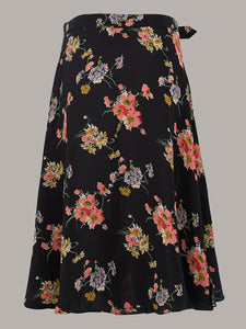 The Seamstress Of Bloomsbury Circle Skirt in Mayflower Print - RocknRomance Clothing