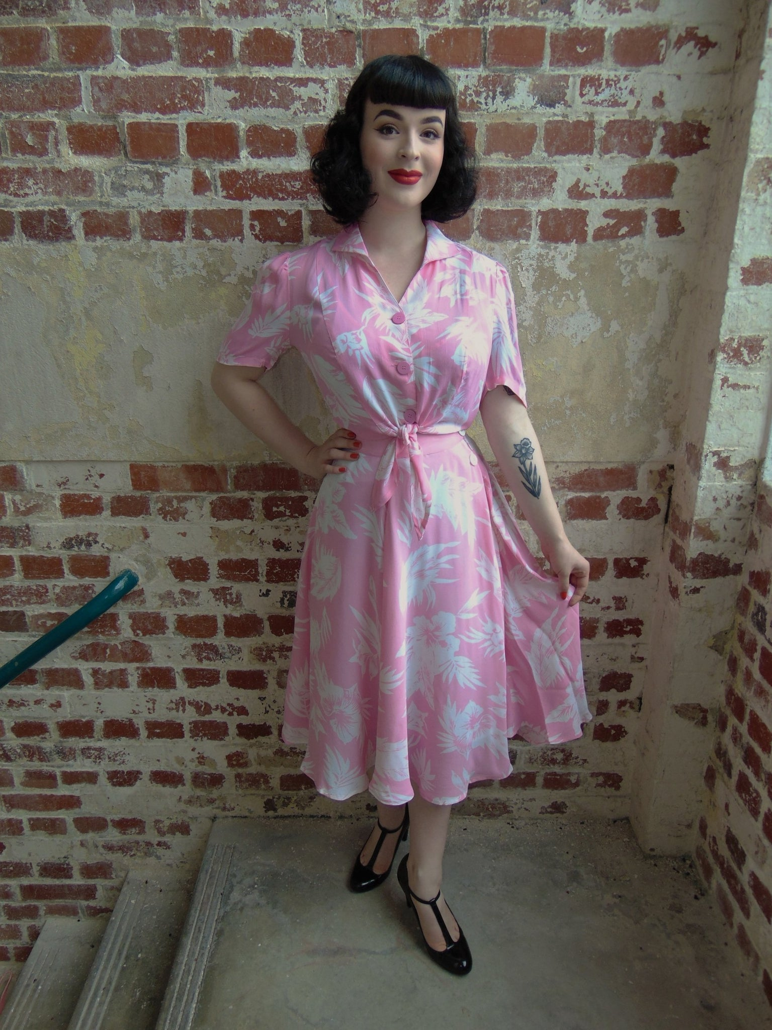 "The Seamstress Of Bloomsbury The 1940s Vintage Inspired ""Isabelle"" Skirt in Pink Hawaiian Print by The Seamstress of Bloomsbury - RocknRomance Clothing"