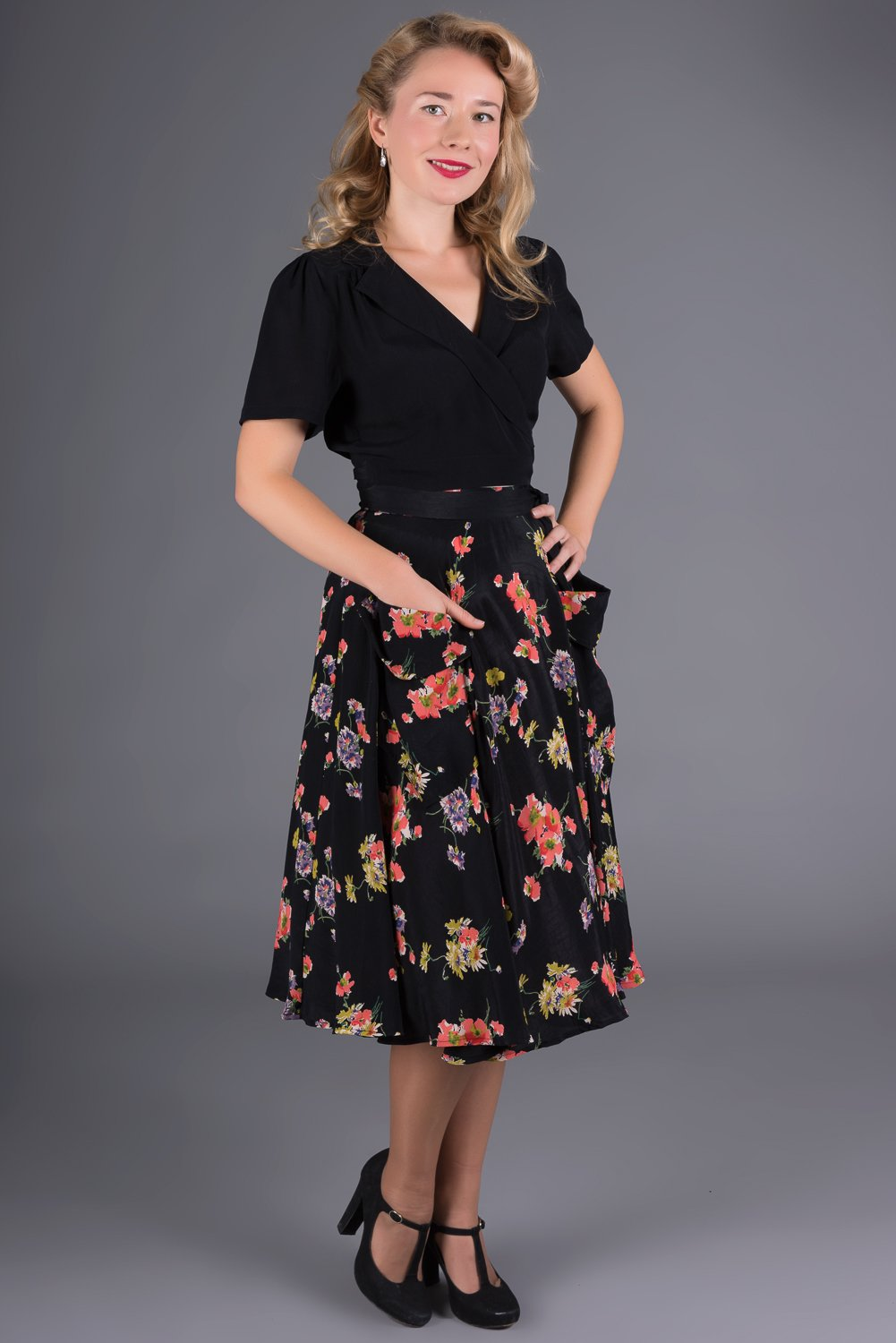 "The Seamstress Of Bloomsbury The 1940s Vintage Inspired ""Thelma"" Skirt with Pockets in Mayflower Print by The Seamstress of Bloomsbury - RocknRomance Clothing"