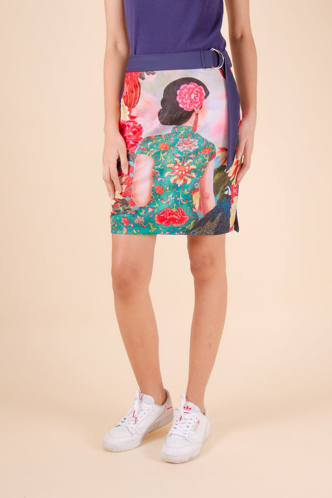 ABOVETHEKNEEQUEEN-NAVY_FRONT Above the knee pencil cut skirt with front print, plain color at the back and belt