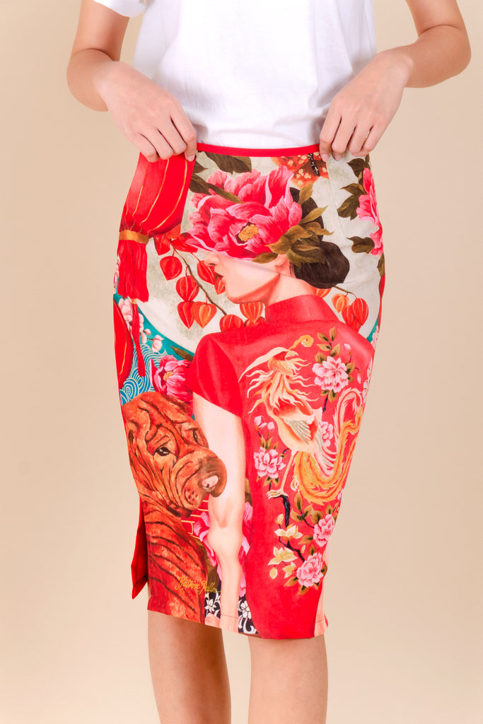 BELOWTHEKNEEREDMOON-RED-FRONT Below the knee pencil cut skirt with front print and plain color at the back