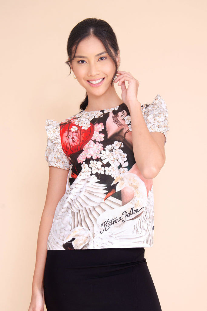 KPB-DIONE_P.WHITE Short sleeves round neck printed blouse with ruffles