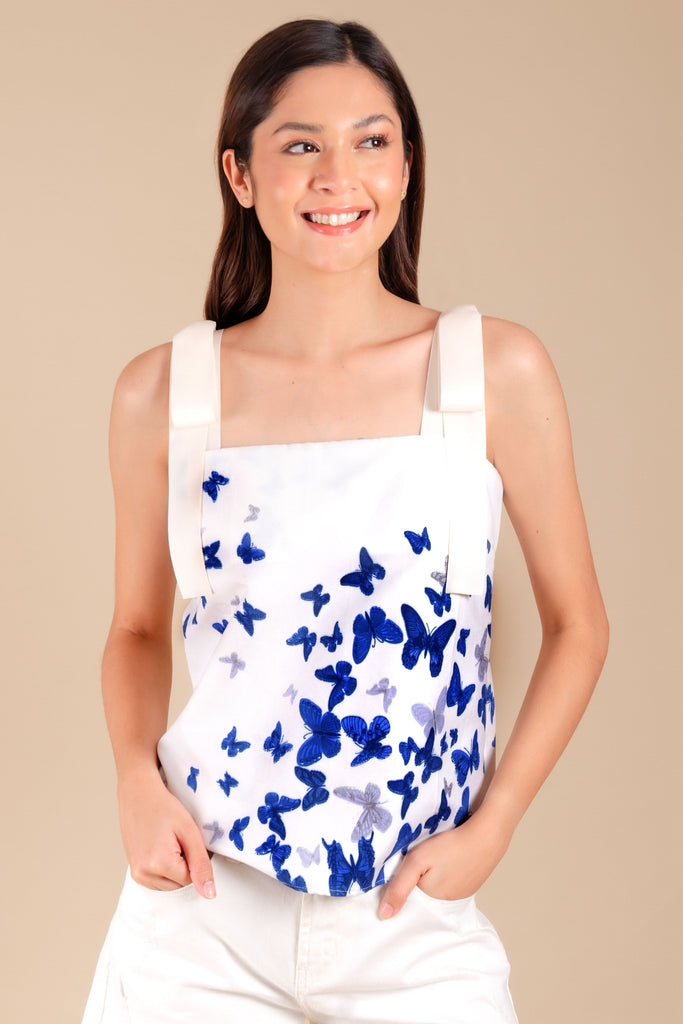 WB-ALIBANGBANG-P.WHITE-FRONT Strap crop blouse with butterfly print