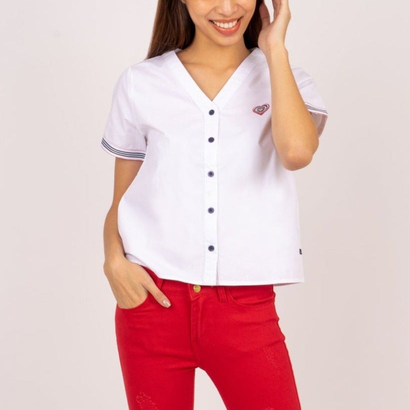 WB-DIXIE-WHITE-FRONT Short sleeves v-neck button down blouse with heart patch detail