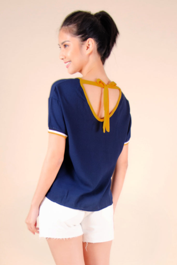 WB-FINLEY-NAVY-BACK Short sleeves v- neck blouse with flat knit combi on sleeves and back tie