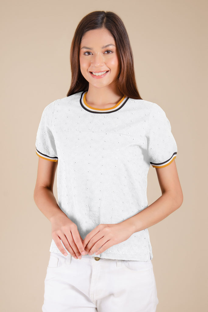 WB-QUINN-WHITE-FRONT Short sleeves round neck blouse with flat knit combi on neckline and sleeves