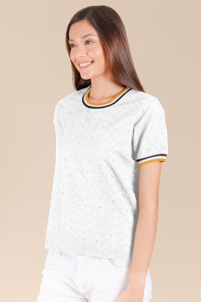 WB-QUINN-WHITE-SIDE Short sleeves round neck blouse with flat knit combi on neckline and sleeves
