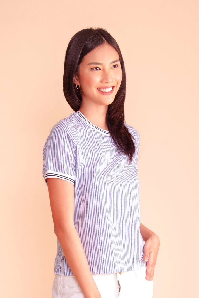 WB-ZINNIA-BLUESTRIPES-SIDE Short sleeves round neck blouse with flat knit combi on neckline and sleeves