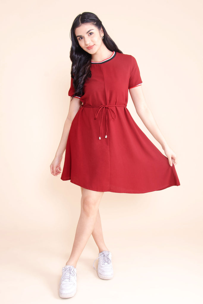 WD-LAYLA-MAROON Short sleeves round neck dress with flat knit combi, tie on waist and asymmetrical hemline