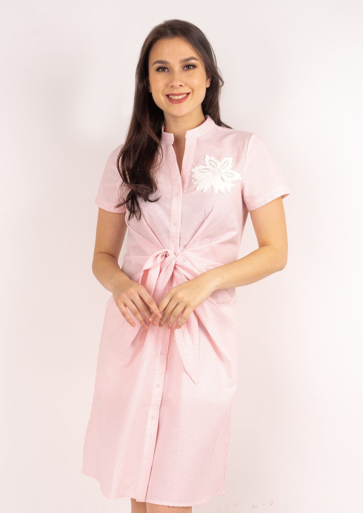 WD DARELLE PINK STRIPES FRONT Short sleeves Chinese collared button down dress with applique & knot detail