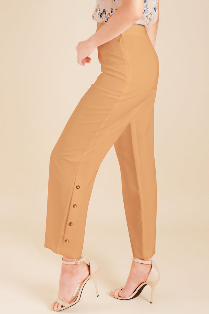 WP-DRIZZLE-BEIGE-SIDE Long pants with side zipper & button details on hem