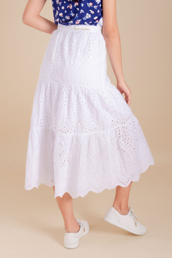 WS-ZAIRE-WHITE-BACK Maxi skirt with inner lining, side zipper and Kamiseta patch on waistband