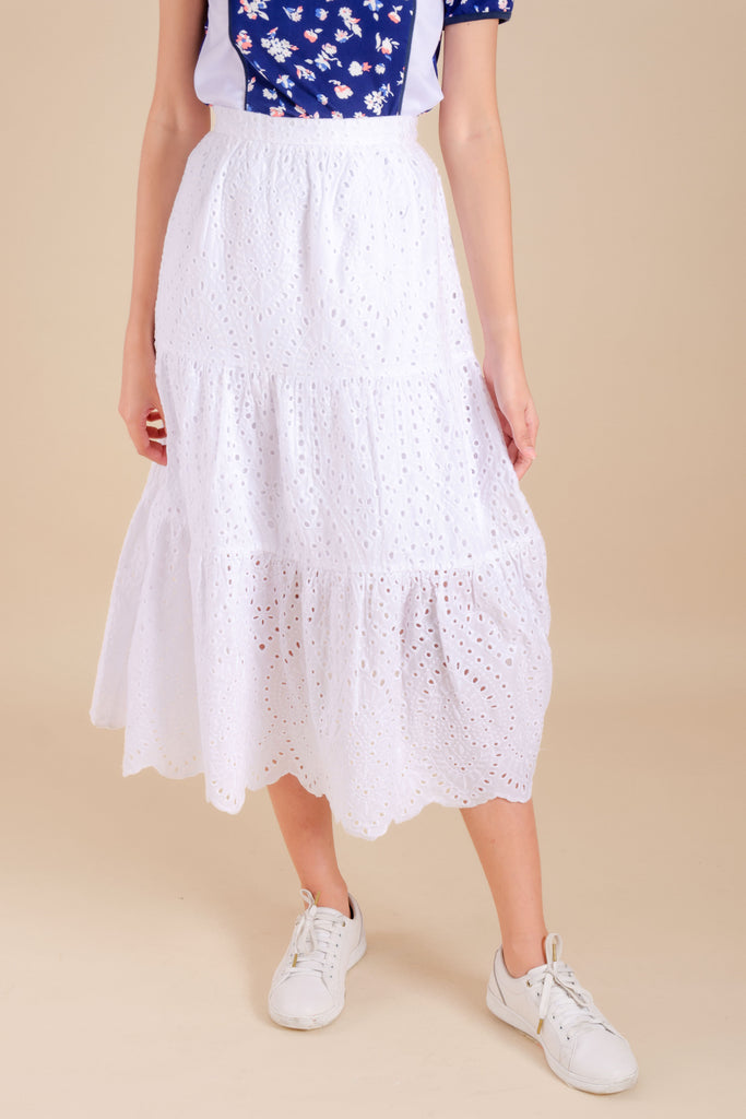 WS-ZAIRE-WHITE-FRONT Maxi skirt with inner lining, side zipper and Kamiseta patch on waistband