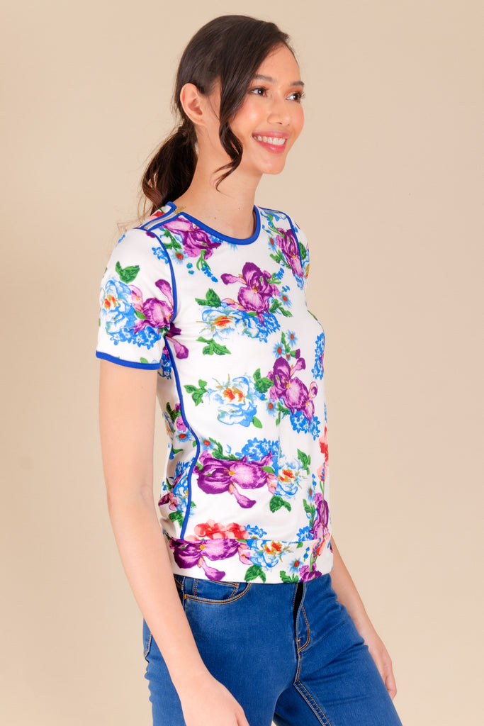 WT-BERNA-FLORALWHITE1 Short sleeves round neck tee with hem band and zipper detail on shoulders