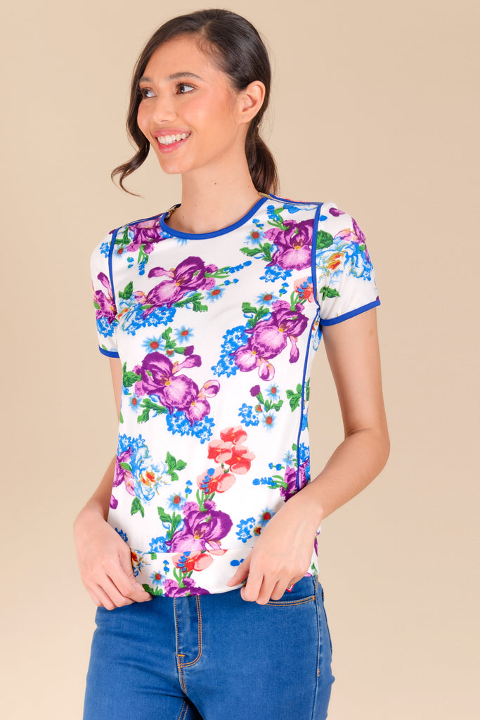 WT-BERNA-FLORALWHITE2 Short sleeves round neck tee with hem band and zipper detail on shoulders
