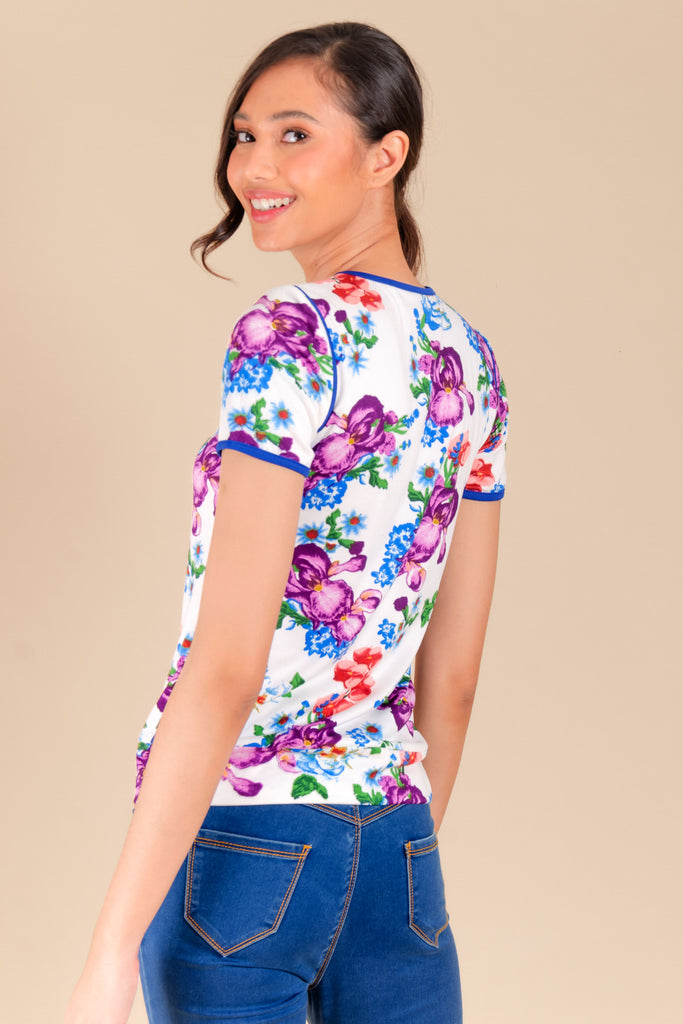 WT-BERNA-FLORALWHITE3 Short sleeves round neck tee with hem band and zipper detail on shoulders