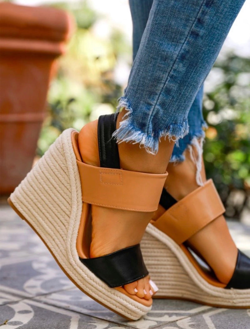Tan/Black Summer Wedge