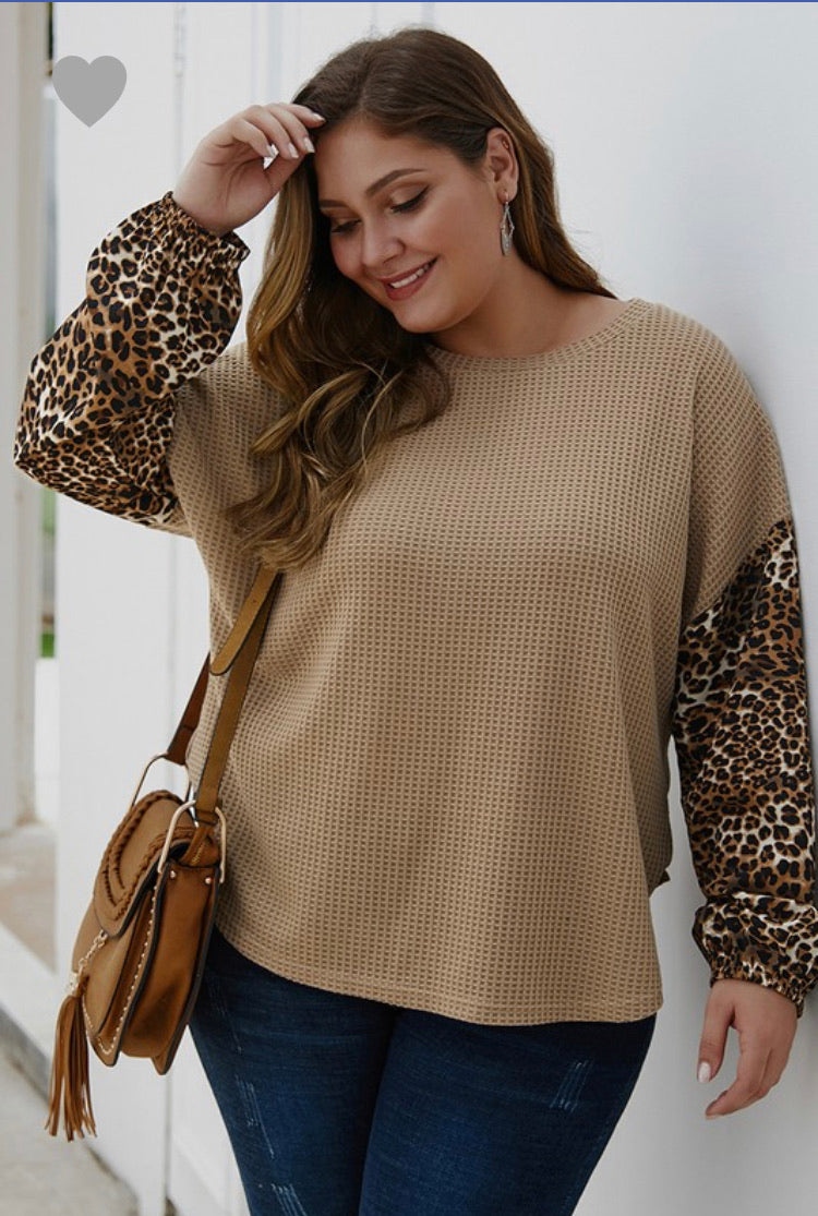 Khaki Animal Sleeve Top (Plus)