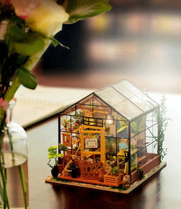 Miniature DIY Green Garden House
