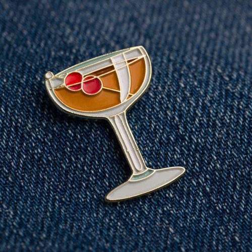 Cocktail Pin - Manhattan