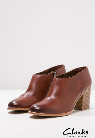 Clarks Othea Ada Tan Leather Womens Boots