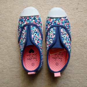 Debenhams Bluezoo Girls Blue Floral Plimsoles