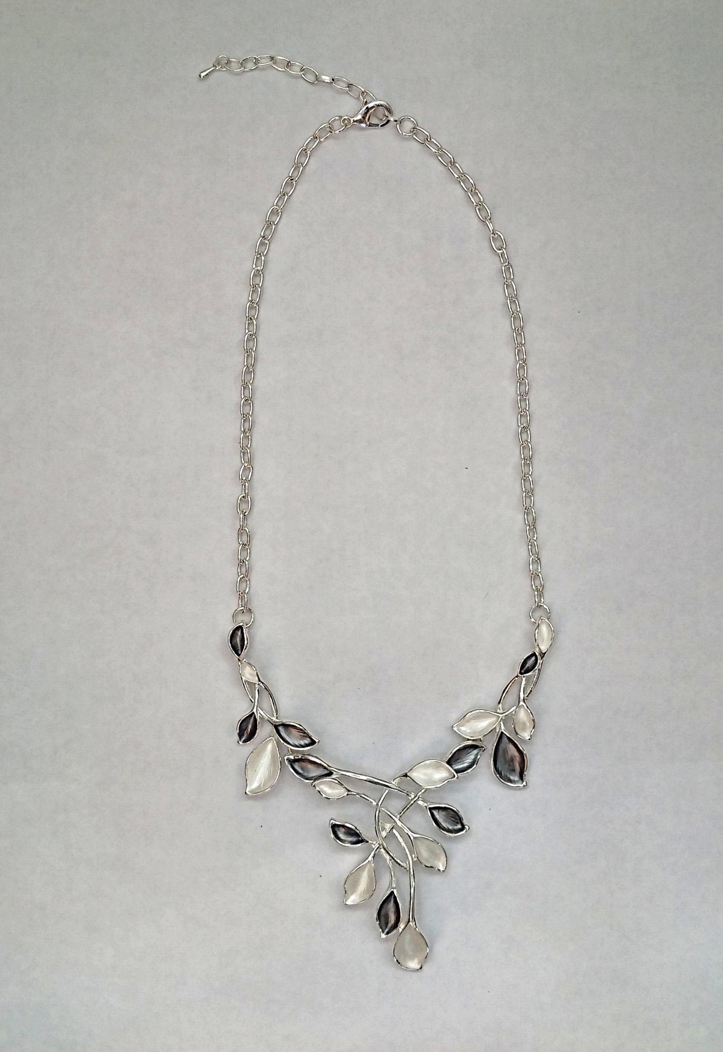 Accessory Womens Floral Silver Necklace