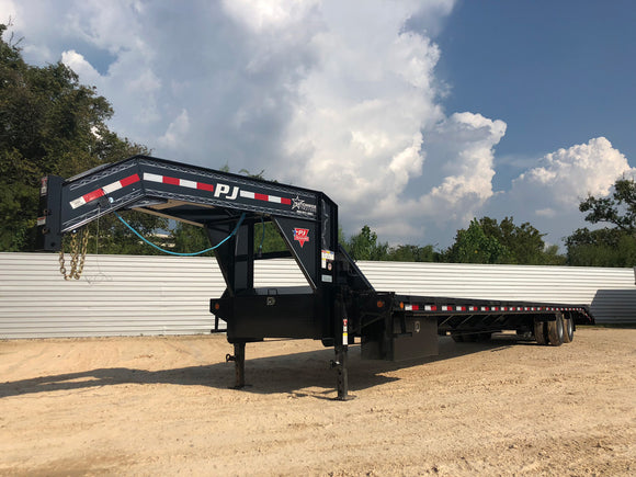 PJ Trailers 40 Ft. Flatbed Gooseneck Hotshot Trailer