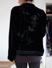 Load image into Gallery viewer, 90's Velvet Embroidered Jacket