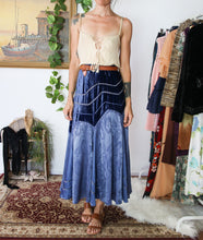 Load image into Gallery viewer, Velvet Fairy Vintage Skirt M